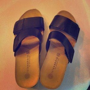 Eric Michaels Black sandals.
